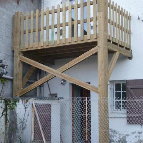 Balcon en bois sur-mesure
